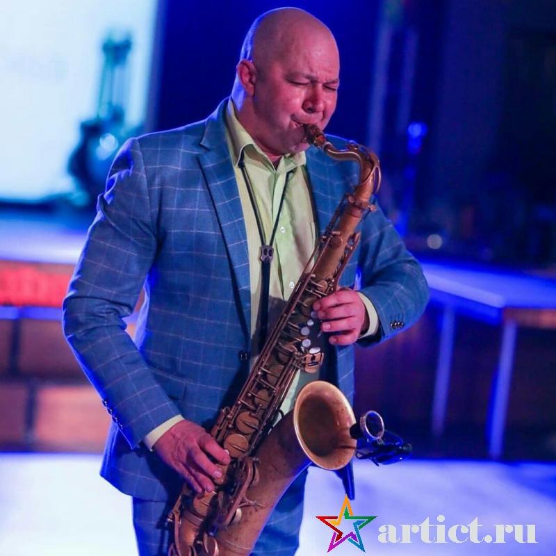 Саксофонист Николай Панченко
