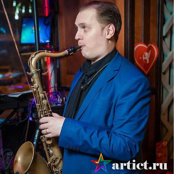 Саксофонист АндрейПобожий