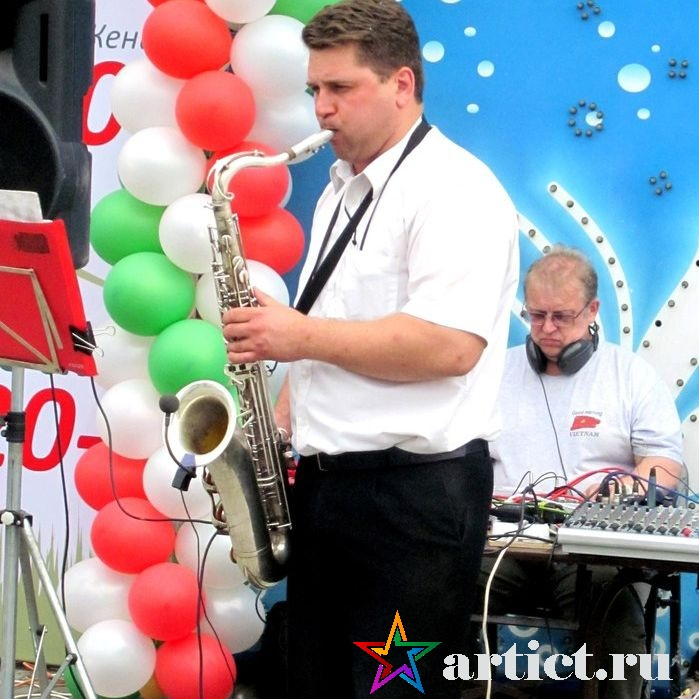 Саксофонист МаксимПьянзин